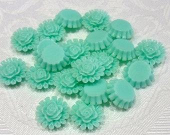 197-4 Cabochons en résine, fleur, 13,5 mm de diamètre, épaisseur 5mm  20 pièces