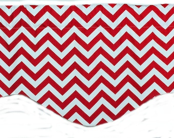 Zig zag shaped valance in red and white