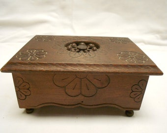 Vintage French Breton Carved Wood Jewelry / Trinket Box (A717)