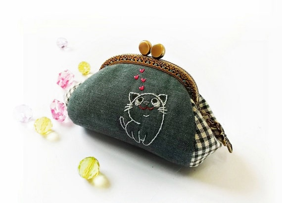 Reserve Listing - Zoe - Custom order - Coin purse / Cat purse / Cat embroidery