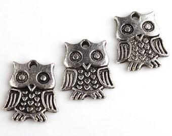 5 Silver Antique Owl Hoot Bird Heart Charms - 18mm 16mm