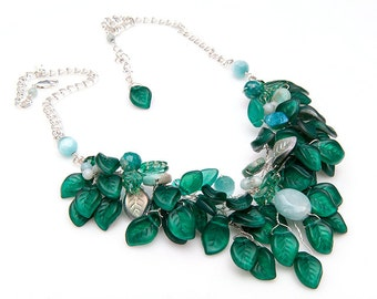 Emerald Green Statement Necklace, Emerald Green Beaded Necklace,  Bib Necklace, Nature Jewelry,  Bridal Jewelry, Leaf Jewelry