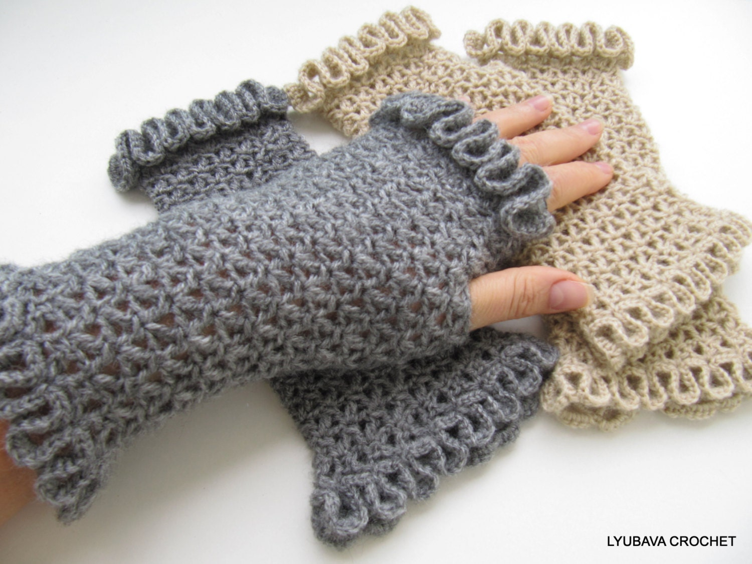 Crochet Fingerless Gloves Picture Tutorial : CROCHET PATTERN Fingerless GLOVES Womens Gloves by ...
