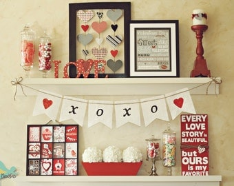 HEART burlap banner (LOVE). XOXO garland wedding and other photo prop
