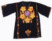 Vintage Ladies Embroidered Tunic