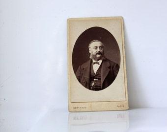 Vintage Photo: Sophisticated older gentleman, carte de visite, cdv, late 1800