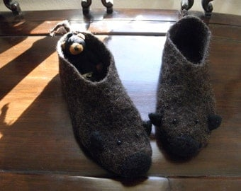 Mouse/ Animal Felted Wool Shoes/ Wool Felted Flats/ Outdoor Shoes, Slow design. momoish made.