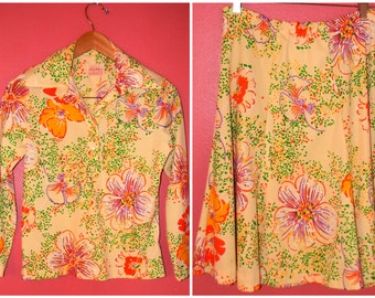 S M Small Medium Vintage Twinset 60s 70s Yellow Flower Suit Set Spring Fashion Floral Print Matchy Matchy Skirt Blouse Shirt