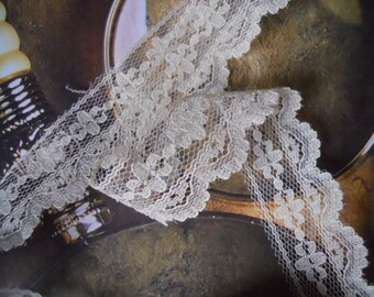 2 Yds Sentimental Antique White Intricate Lace Trim