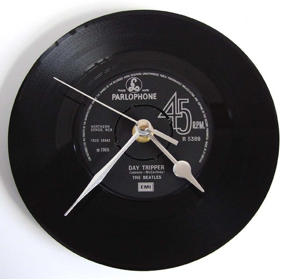 The BEATLES Vinyl Record CLOCK from original recycled 7