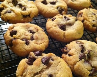 Chunky Chocolate Chip Cookies, Classic Homemade Chocolate Chip Cookies, Soft and Chewy Chocolate Chip Cookies, School School Lunch Treats