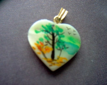 Vintage Mother of Pearl Hand Painted Heart Pendant / Charm   #XX 8