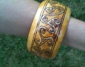 Wooden bracelet - celtic design
