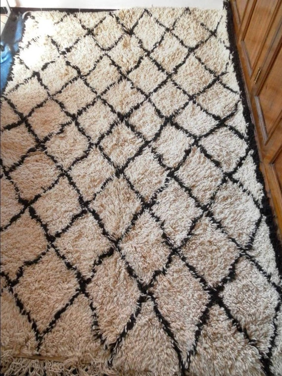 BENI OURAIN style  Moroccan rug :100% organic and handmade