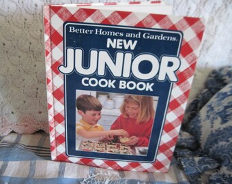 New Junior Cook Book Better Homes and Garden Cook Book 1989  :)