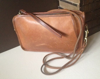 Vtg New York City // Coach British Tan Leather Crossbody Handbag