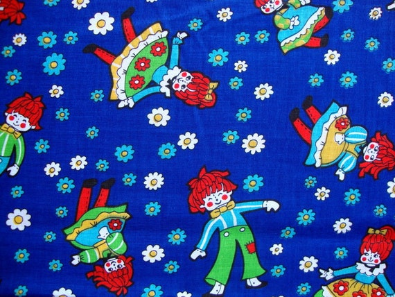 Vintage 50s raggedy ann and andy fabric daisy flowers royal for Bright childrens fabric