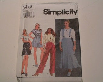 Simplicity Pattern 9438 Miss Bottoms