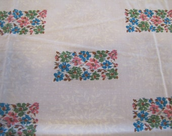 1950s Floral Fabric, 1960s Floral Fabric, Cotton Fabric, Self Ironing Fabric, Belfast Self Ironing Fabric