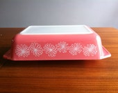 1960s Vintage Pyrex Pink Daisy Casserole or bowl 575 B in very good condition no lid