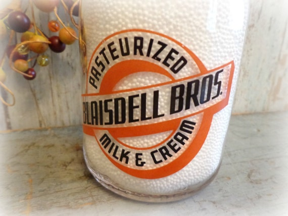 1952 blaisdell bros quart pyro milk bottle / rare dairy advertising