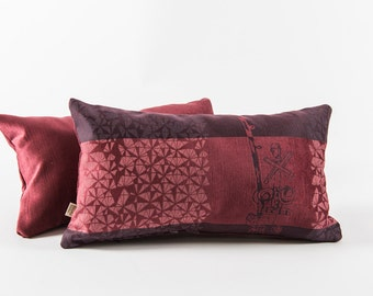 Burgundy cushion - Urban pattern