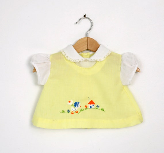 Vintage Baby Girl Shirt or Dress in Yellow and White 0 to 6 months