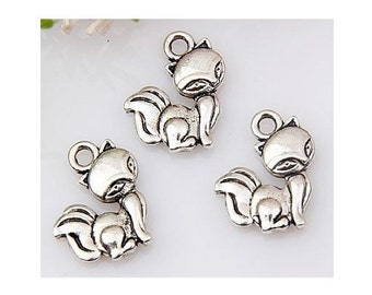 10 Adorable Little Vixen Fox Charms Silver Tone Forrest Animal Charm Jewelry Craft Supplies 15x13 mm