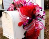 ANY HOLIDAY or SEASON Mailbox Swag/Garland-Custom Colors for any holiday - Mailbox Swag - Deco Mesh Wreath - Valentines Mesh - Mesh Garland