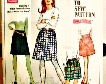 Misses A-Line Mini Skirts in Two Lengths Sewing Pattern Simplicity 7735 'How To Sew Pattern' Size 10