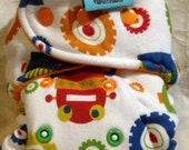 Robots Natural Inner Hybrid Fitted Diaper in a Size 2