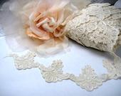 Ivory alencon lace trim
