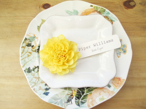 20 Sunshine Yellow Wooden Wedding Place Cards, Spring Wedding, Rustic Table Decor, Wedding Escort Cards