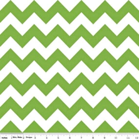 1 yard Riley Blake Green  MEDIUM Chevron - Green  / White  Zig Zag - 1 yd