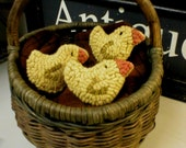 PrimiTive Folkart PATTERN ONLY 3 Baby Hooked Rug Chicks Ornaments Bowlfillers  BeaconhillCollectibles Hooked Rugs
