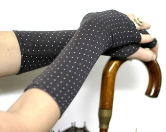 Pin Up Grey Fingerless Gloves , Arm warmers  with whie dots -  Arm Covers , Gloves , Hand Warmers , Cuffs , polka pots , Goth , pin up