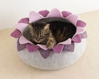 Cat bed/cat house/cat cave/purple lotus felted cat bed