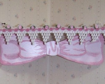 Pink Corner Shelf with lace and Big wooden Bow -
