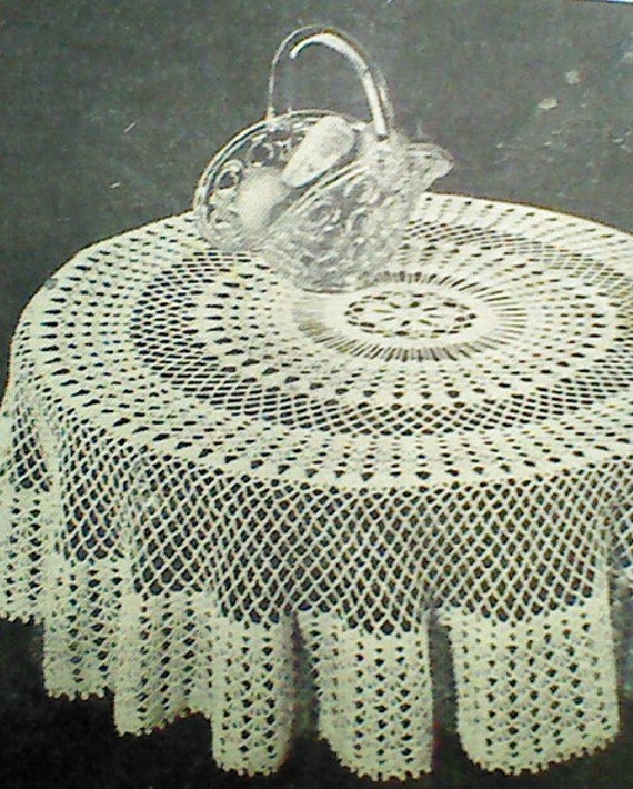 Vintage Crocheted Round Tablecloth Pattern by MAMASPATTERNS