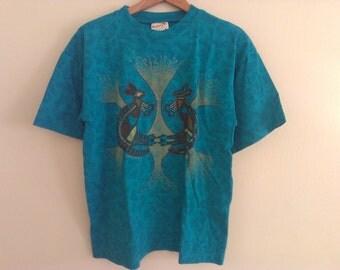 90s vintage women's small Australia souvenir t-shirt teal kangaroo pattern oversized