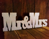 Mr and Mrs Wedding Sign, Home Decor, Wedding Reception, Wooden Sign, Signage, Wedding Signs, Sweetheart Table, Wedding Decorations