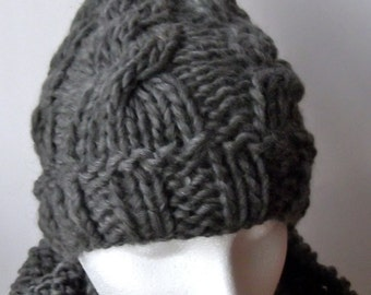 Popular items for bobble hat pattern on Etsy