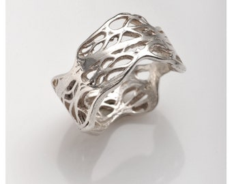 Sterling silver ring. NORA ring  from the sabrawear collection.