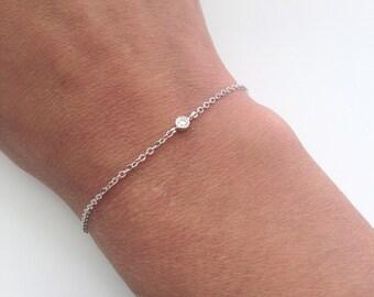Tiny Crystal bracelet, solitaire bracelet, minimal bracelet, everyday jewelry, delicate bracelet, layering bracelet, simple bracelet