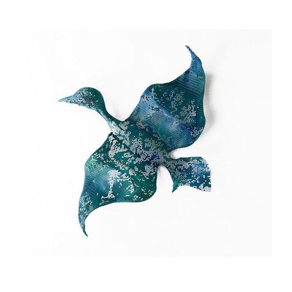 Metal wall art - Small Flying Bird - Home decor - Contemporary  art -  wire mesh sculpture - Metal wall hanging