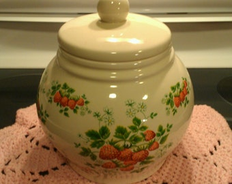 Sale  Darling vtg strawberry print with wide mouth cookie jar