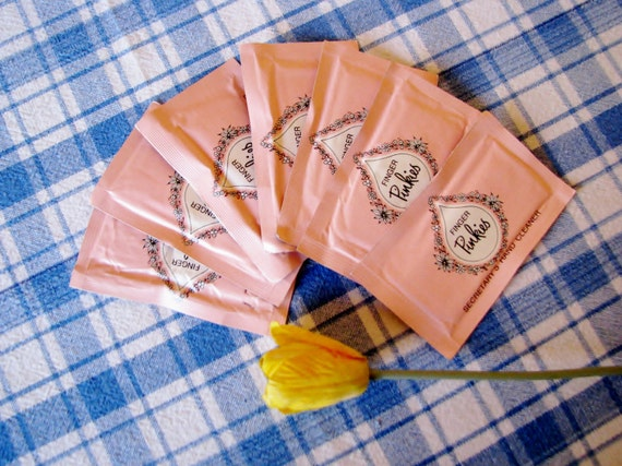Vintage Finger Pinkies Gillette Secretary's Hand Cleaner Pink Packet 1960's