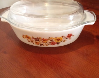 1970's Anchor Hocking Fire King casserole dish with lid