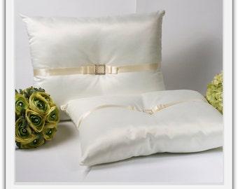 A set of Wedding Kneeling Pillow : Rhinestone Buckle