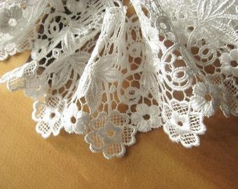 ivory  Bridal lace, venise lace trim DG058B